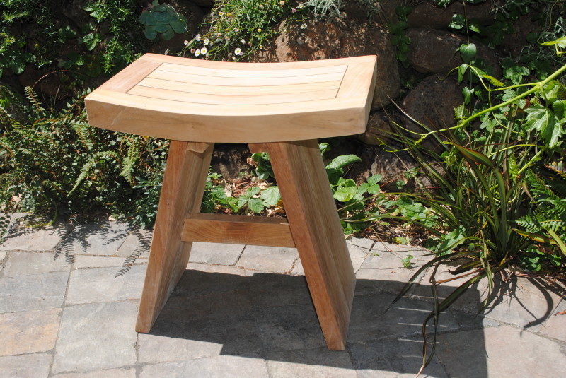 shower bench with curved seat