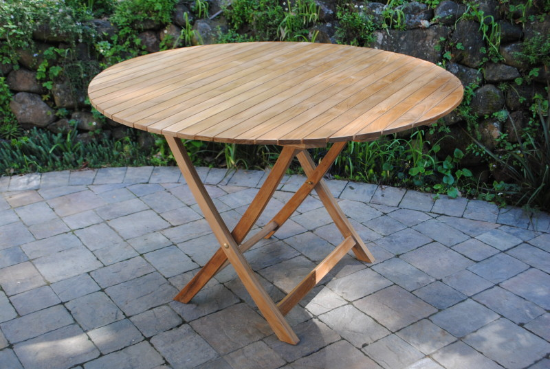 4′ Round Folding Table